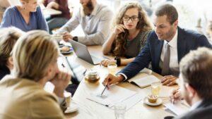 5 فردی که می توانند تجارت کوچک شما را به موفقیت برسانند