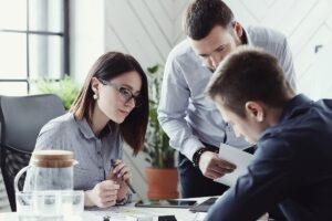 برونگراها و درونگراها در محیط کار